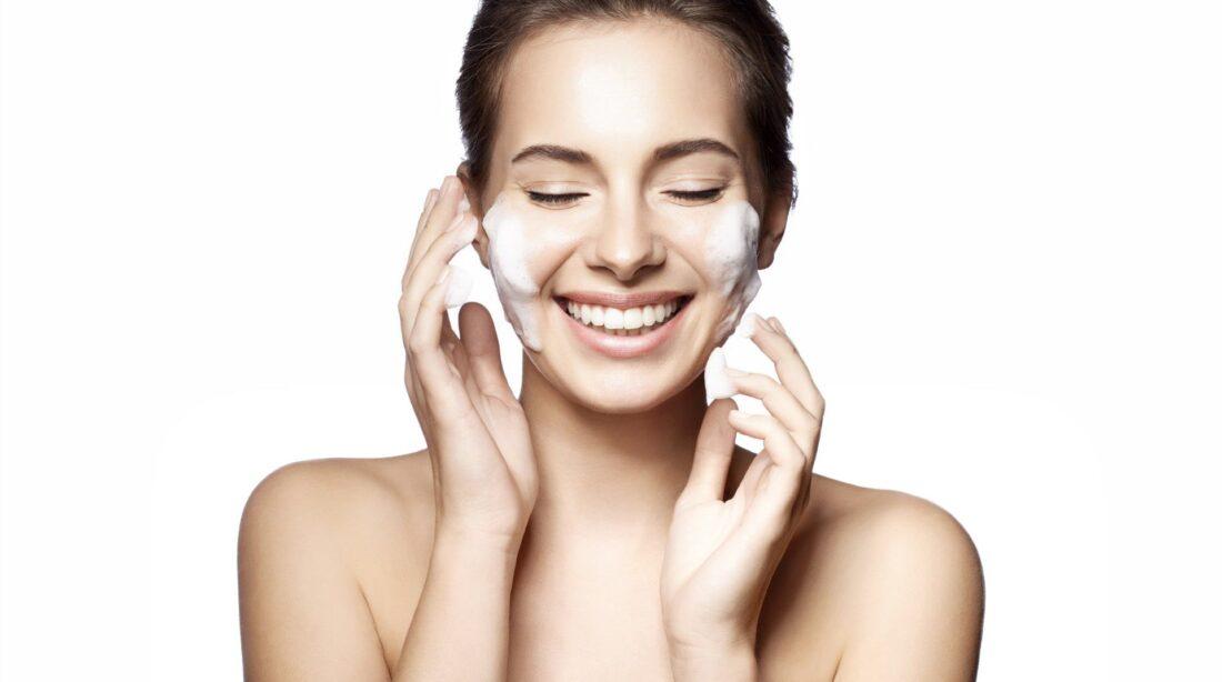 Очищение кожи лица в домашних условиях